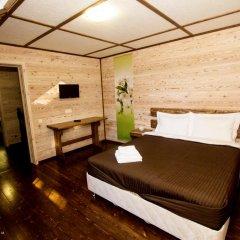 Гостиница Country Club Edem Коттедж с разными типами кроватей фото 10