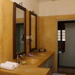 Отель Khalids Guest House Galle 3* Номер Делюкс с различными типами кроватей фото 4
