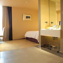 Shanghai Hongqiao Airport Hotel 4* Стандартный номер с различными типами кроватей фото 2