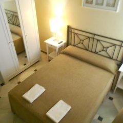 Отель Pension Perez Montilla 2* Стандартный номер с двуспальной кроватью (общая ванная комната) фото 7