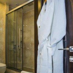 Отель Амбассадор 4* Стандартный номер с двуспальной кроватью фото 11