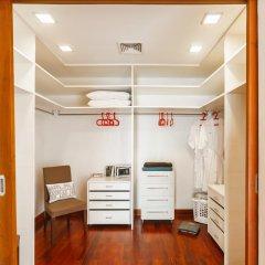 Отель Kyerra Villa by Lofty сейф в номере