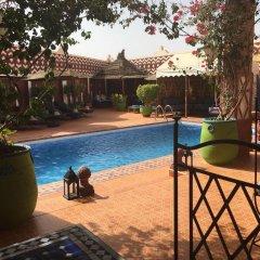 Отель Le Petit Riad Марокко, Уарзазат - отзывы, цены и фото номеров - забронировать отель Le Petit Riad онлайн бассейн