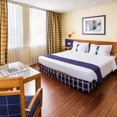 Отель Holiday Inn Lisbon 4* Стандартный номер с различными типами кроватей фото 4