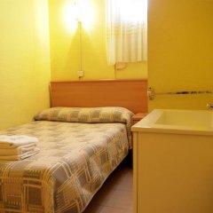 Отель Hostal Delfos Стандартный номер с двуспальной кроватью (общая ванная комната) фото 3