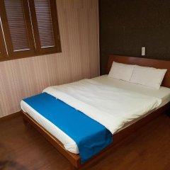 Hotel At Home 2* Стандартный номер с двуспальной кроватью