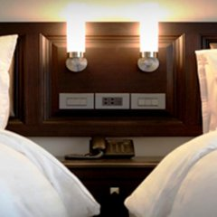 Gulliver`S Tavern Hotel Бангкок сейф в номере