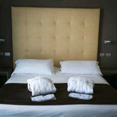 Yes Hotel Touring 4* Стандартный номер с двуспальной кроватью