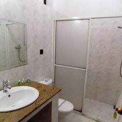 Отель Kandyan Arts Residency Канди ванная