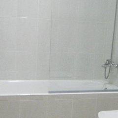 Отель Apartamentos Salceda ванная фото 2