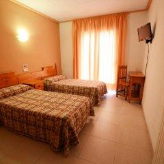 Отель Hostal Los Manos Испания, Бланес - отзывы, цены и фото номеров - забронировать отель Hostal Los Manos онлайн комната для гостей фото 2