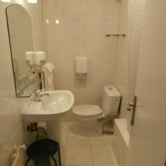 Отель Pensión Donostiarra Испания, Сан-Себастьян - отзывы, цены и фото номеров - забронировать отель Pensión Donostiarra онлайн ванная