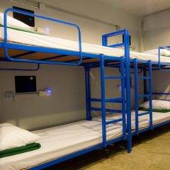 Отель We Bangkok 3* Кровать в общем номере фото 2