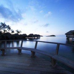 Отель Sofitel Bora Bora Marara Beach Resort 4* Улучшенное бунгало с различными типами кроватей фото 2