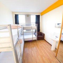 Отель Kensal Green Backpackers 1 Кровать в общем номере с двухъярусной кроватью фото 5