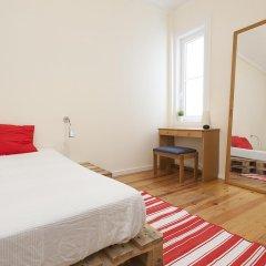 Отель Lisbon Economy Guest Houses Old Town II комната для гостей фото 3