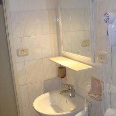 Отель Lucia & Giovanni Таормина ванная фото 2