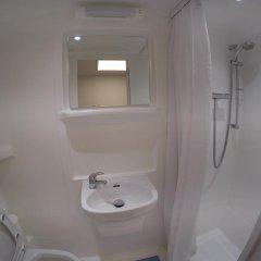Отель Smart Hyde Park View - Hostel Великобритания, Лондон - 1 отзыв об отеле, цены и фото номеров - забронировать отель Smart Hyde Park View - Hostel онлайн ванная фото 2