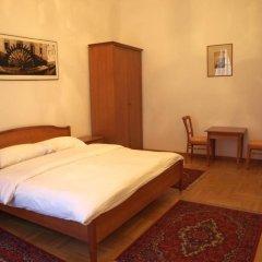 Отель U Cerneho Medveda- At The Black Bear Апартаменты с различными типами кроватей фото 4