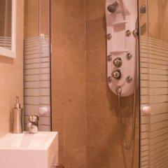 Отель Alfama Friends Home Gonzalos Home ванная