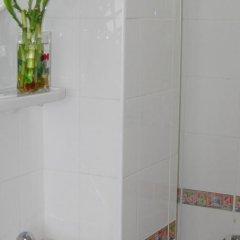 Отель Four Sons Place Таиланд, Бангкок - отзывы, цены и фото номеров - забронировать отель Four Sons Place онлайн ванная фото 2