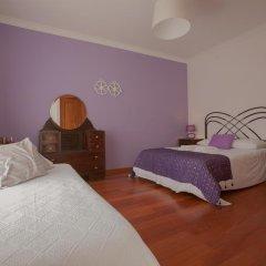 Хостел Ericeira Chill Hill Hostel & Private Rooms Стандартный номер с двуспальной кроватью (общая ванная комната) фото 15