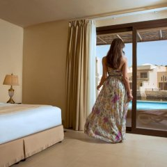 Отель The Cove Rotana Resort 5* Вилла с различными типами кроватей фото 8