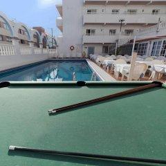 Отель Apartamentos Lux Mar Испания, Ивиса - отзывы, цены и фото номеров - забронировать отель Apartamentos Lux Mar онлайн спортивное сооружение
