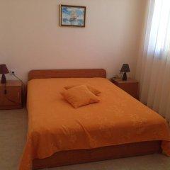 Отель Serbezovi Guest House Поморие комната для гостей фото 4