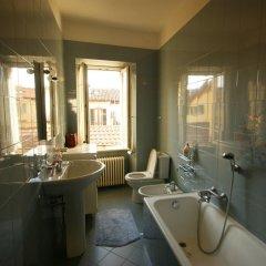 Отель Loggia Innocenti Италия, Вербания - отзывы, цены и фото номеров - забронировать отель Loggia Innocenti онлайн ванная