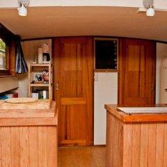 Отель The Hoop Houseboat Нидерланды, Амстердам - отзывы, цены и фото номеров - забронировать отель The Hoop Houseboat онлайн в номере фото 2