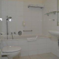 Отель Aparthotel Austria Suites ванная фото 2