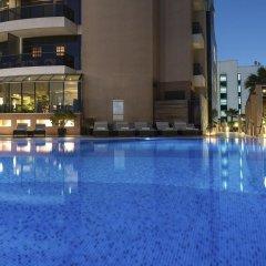 Majestic City Retreat Hotel бассейн фото 3