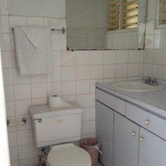 Отель The View Guest House Ямайка, Монтего-Бей - отзывы, цены и фото номеров - забронировать отель The View Guest House онлайн ванная фото 2