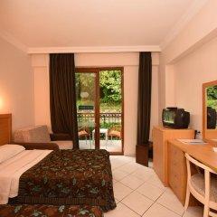 Perdikia Beach Hotel 3* Стандартный номер с двуспальной кроватью
