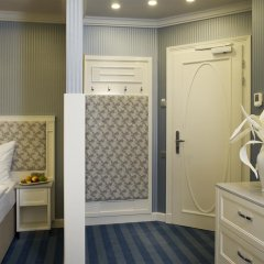 Отель Atlantic Palace Чехия, Карловы Вары - 1 отзыв об отеле, цены и фото номеров - забронировать отель Atlantic Palace онлайн сейф в номере
