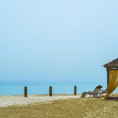 Отель Regency Sealine Camp Катар, Месайед - отзывы, цены и фото номеров - забронировать отель Regency Sealine Camp онлайн пляж фото 2