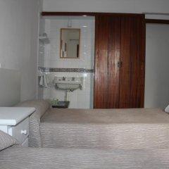 Отель Hostal Las Nieves Стандартный номер с 2 отдельными кроватями (общая ванная комната)