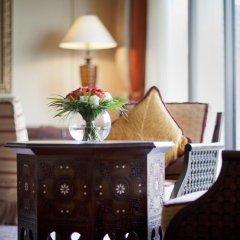 Отель Jumeirah Al Qasr - Madinat Jumeirah 5* Улучшенный номер с различными типами кроватей фото 12