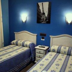 Отель Hostal Regio Номер категории Эконом с различными типами кроватей фото 9