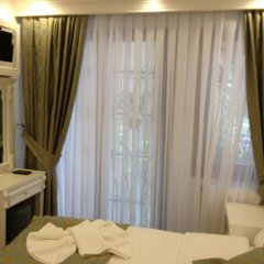 Отель La Petite Maison 3* Стандартный номер с двуспальной кроватью фото 2