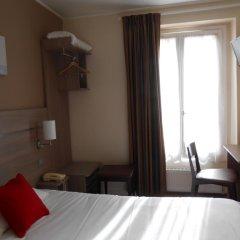Отель De Paris Montmartre Париж комната для гостей