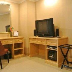 Отель FuramaXclusive Sukhumvit 4* Номер Премиум с двуспальной кроватью фото 11