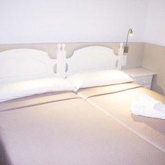 Отель Hostal El Arco Номер категории Эконом с различными типами кроватей фото 7