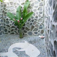 Отель Matangi Private Island Resort спортивное сооружение