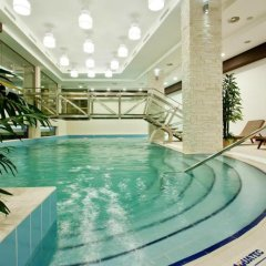 Earth and People Hotel & Spa бассейн