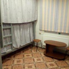 Hostel Favorit Кровать в общем номере с двухъярусной кроватью фото 18