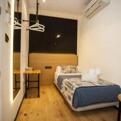 Отель Hostal CC Malasaña Стандартный номер с различными типами кроватей фото 13