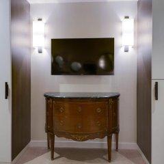 Hotel Balmoral - Champs Elysees 4* Улучшенные апартаменты с различными типами кроватей фото 13