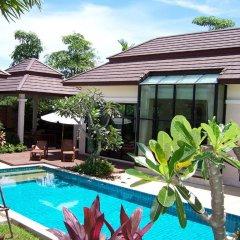 Отель Baan Anda бассейн
